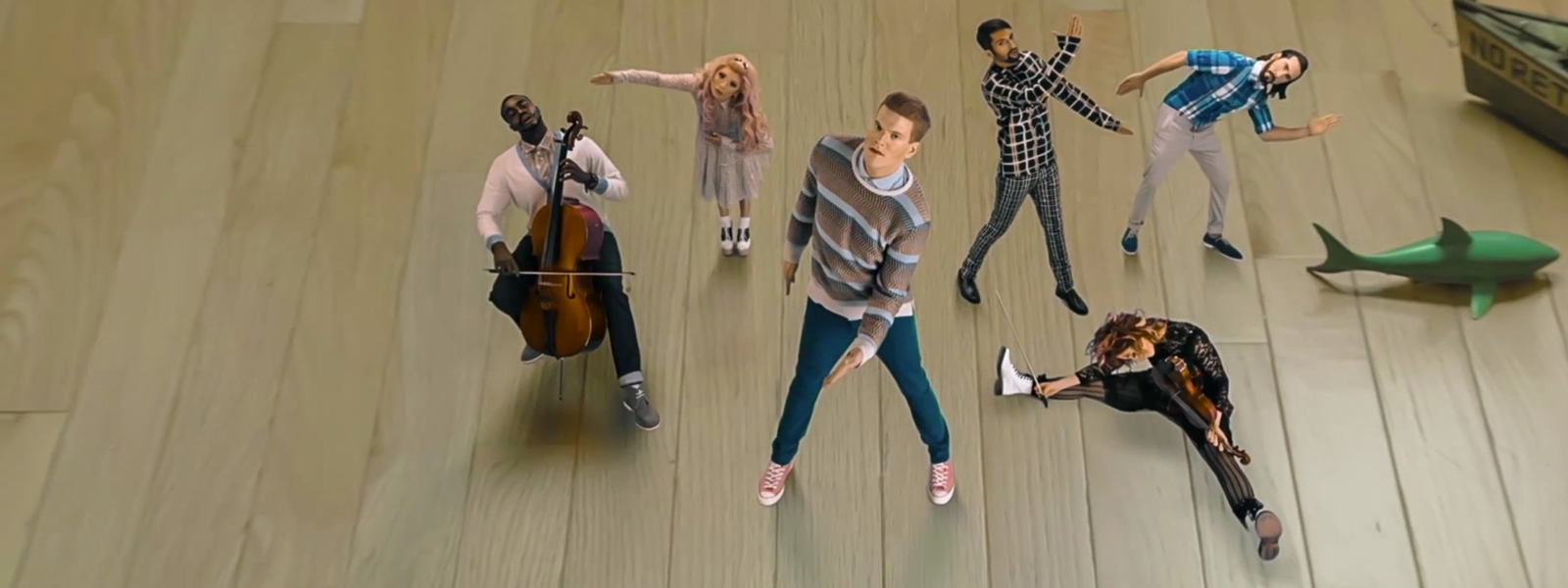 Pentatonix Ft. Lindsey Stirling – Papaoutai