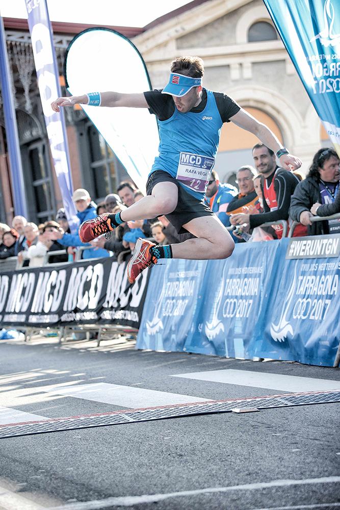 rafa-V7-blue-jump